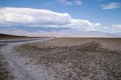 Dirt road, Badwater Basin