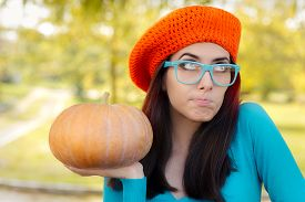 pic of beret  - Curious autumn girl with crocheted beret - JPG