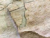 Rock pedra com rachaduras