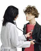 Das Männchen auscultating Arzt