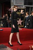 LOS ANGELES - DEC 13:  Anne Hathaway at the Hollywood Walk of Fame ceremony for Hugh Jackman on Dece
