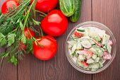 Salad with vegetables and cream sause