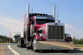 American Show Truck Tractor Peterbilt 379