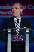 NEW ORLEANS, LA - 16 de junho: Michigan congressista Thaddeus McCotter aborda o republicano Leadershi