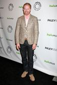 LOS ANGELES - MAR 14:  Jesse Tyler Ferguson arrives at the