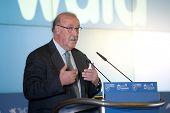 BARCELONA - 11 de janeiro: Vicente Del Bosque, gerente da equipe nacional de futebol espanhol, durante sua speec