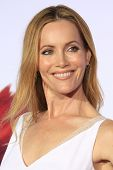 LOS ANGELES - MAR 5: Leslie Mann at the premiere of 'Mr. Peabody & Sherman' at Regency Village Theat