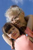 Mädchen mit Oma