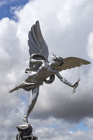 picture of ero  - Eros love statue at Piccadilly Circus - JPG