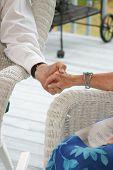 Senioren hand in hand