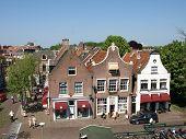 Typische niederländische monumentale Stores