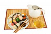 Serving sushi and tea composition