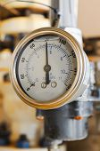 picture of pressure  - Pressure gauge for measuring pressure in the system - JPG