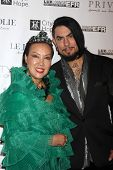LOS ANGELES - OCT 15:  Sue Wong, Dave Navarro at the Sue Wong