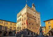 Palace Pretorio In Prato