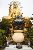 Giant Sitting Golden Buddha.