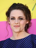 LOS ANGELES - MARCH 23:  Kristen Stewart arrives to the Kid's Choice Awards 2013  on March 23, 2013