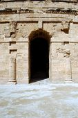 El Jem - The Roman Amphitheater At The Edge Of The Tunisian Desert - Tunisia