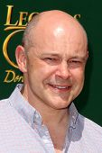 LOS ANGELES - MAY 3:  Rob Corddry at the