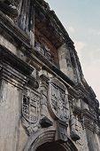fort santiago arch design