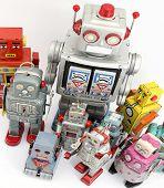 gran grupo de juguetes robot
