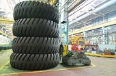 Giant size wheels and tires