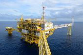 foto of rig  - The oil rig in the gulf of Thailand - JPG