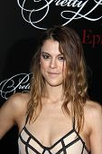 Zoey DeutchLOS ANGELES - MAY 31:  Lindsey Shaw at the