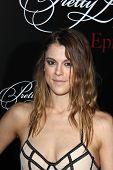 Zoey DeutchLOS ANGELES - MAY 31:  Lindsey Shaw at the