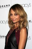 LOS ANGELES - SEP 7:  Nicole Richie arrives at the Macy's Passport 30th Glamorama at Orpheum Theater