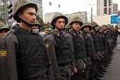 Moskau - 15.09: Polizisten Cordon eine Straße als Anhänger der Opposition März für eine Anti-Put