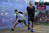 DAMANSARA - 15 SEP: Mohamed El Shorbagy (negro) reacciona a Tarek Momen error en final Varonil de th