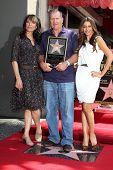 Katy Segal, Sofia Vergara, Ed O'Neill at the Ed O'Neill Hollywood Walk Of Fame Induction Ceremony, H