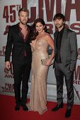 Lady Antebellum, Charles Kelley, Hillary Scott, Dave Haywood at the 2011 CMA Awards, Bridgestone Are