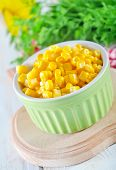 picture of sweet-corn  - sweet corn in bowl and on a table - JPG