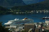 Editorial: Cruise Ship in Aalesund