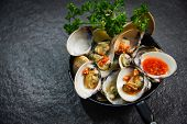 Enamel Venus Shell Cooking Pan Seafood Plate With Shellfish Clams Ocean Gourmet Dinner Cooked With H poster