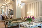 Vintage Mansion - Retro Lounge