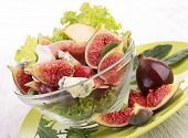 vegetable salad with fig