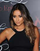 LOS ANGELES - MAY 31:  Shay Mitchell arrives to the