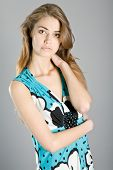 Постер, плакат: Портрет молодой красивой девушкой в элегантной одежды Яна Дъбник Вице Мисс Россия 2011