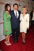 LOS ANGELES - 6 de AUG: Diablo Cody, Nick Offerman, Julianne Hough llega a la Premier de DirecTV de