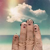 Finger Family Travels At The Beach
