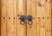 pic of wooden door  - Wooden Gate With Door Knocker Chinese Style - JPG