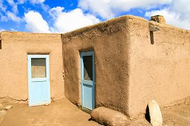 pic of pueblo  - Exterior of the house in Taos Pueblo in New Mexico - JPG