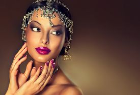 pic of indian  - Beautiful Indian woman portrait with jewelry  - JPG