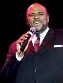 NEW YORK - AUGUST 11: American Idol winner Ruben Studdard performs at the Hammerstein Ballroom durin