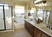 Hermoso cuarto de baño grande