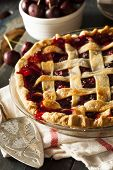 Delicious Homemade Cherry Pie