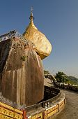 picture of tabernacle  - Kyaiktiya pagoda - JPG